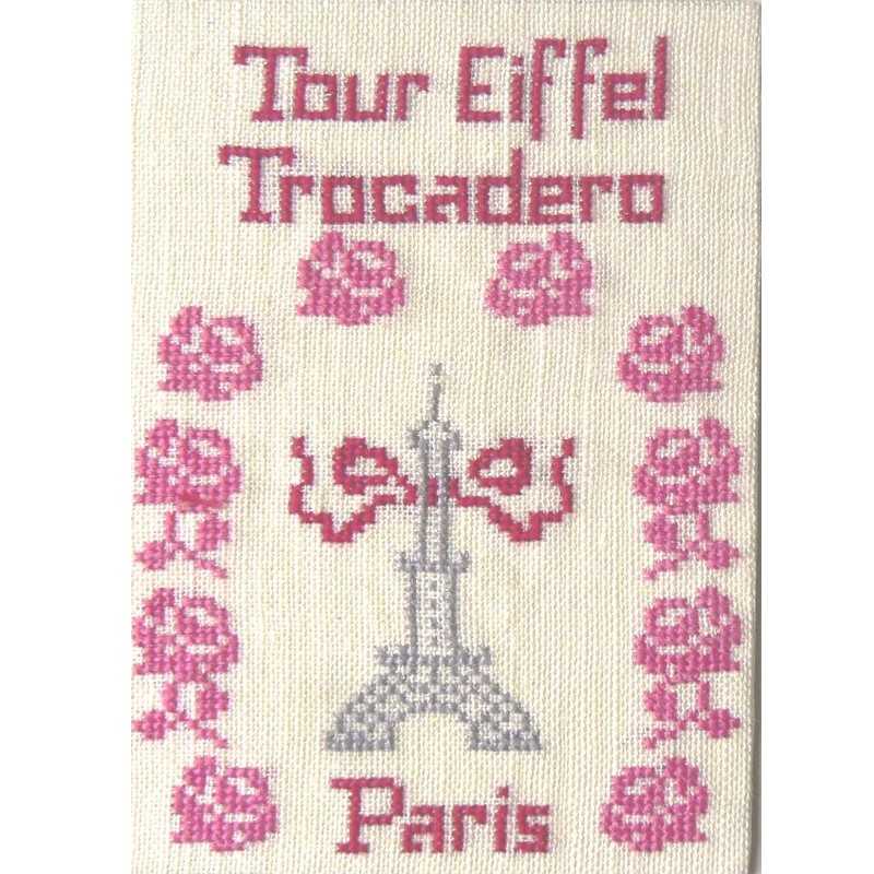 CP-PARIS-TOUR-EIFFEL-ROSES