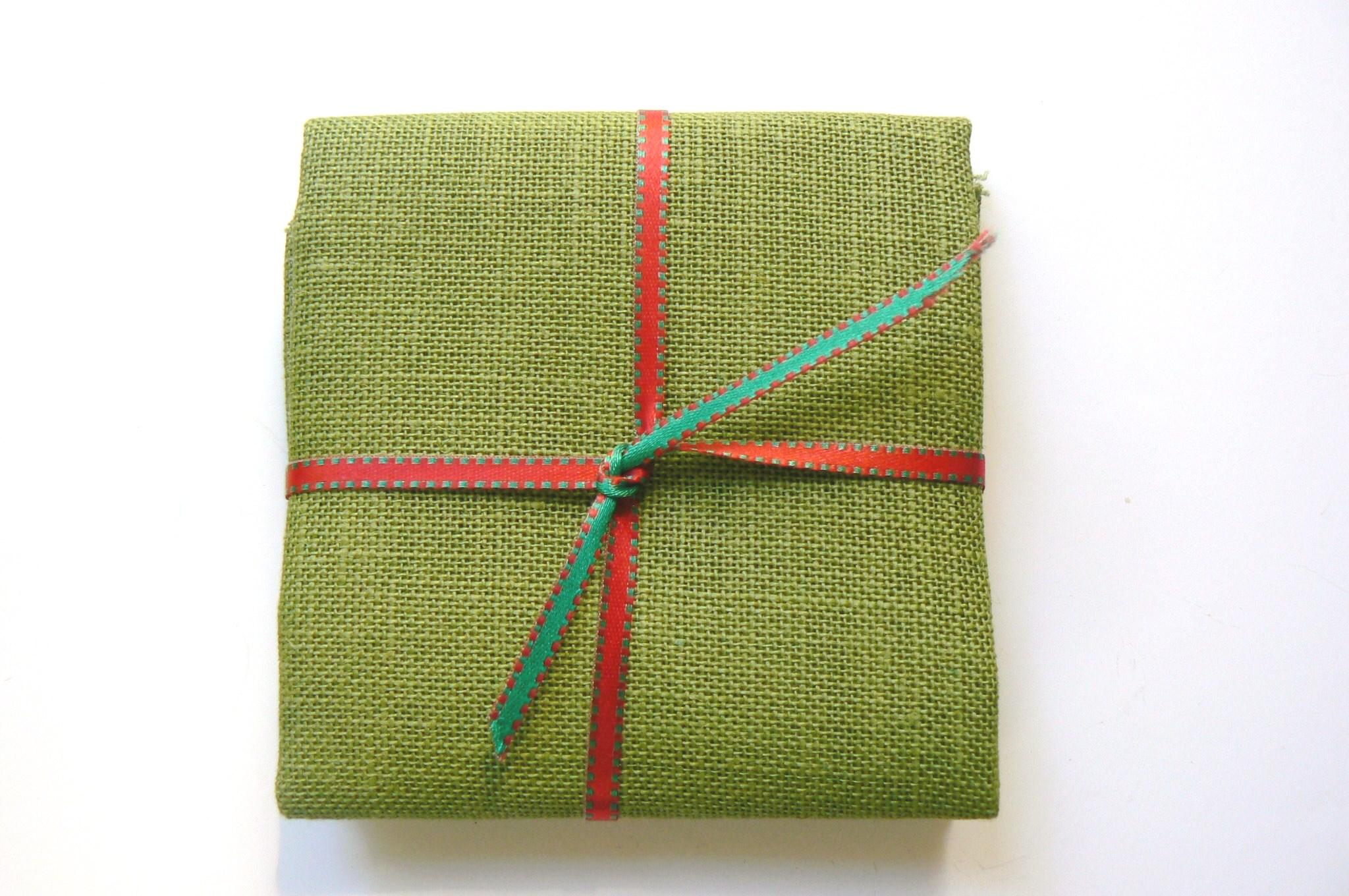 toile de lin broder 12 fils vert amande pour point de croix autour d 39 elsa. Black Bedroom Furniture Sets. Home Design Ideas