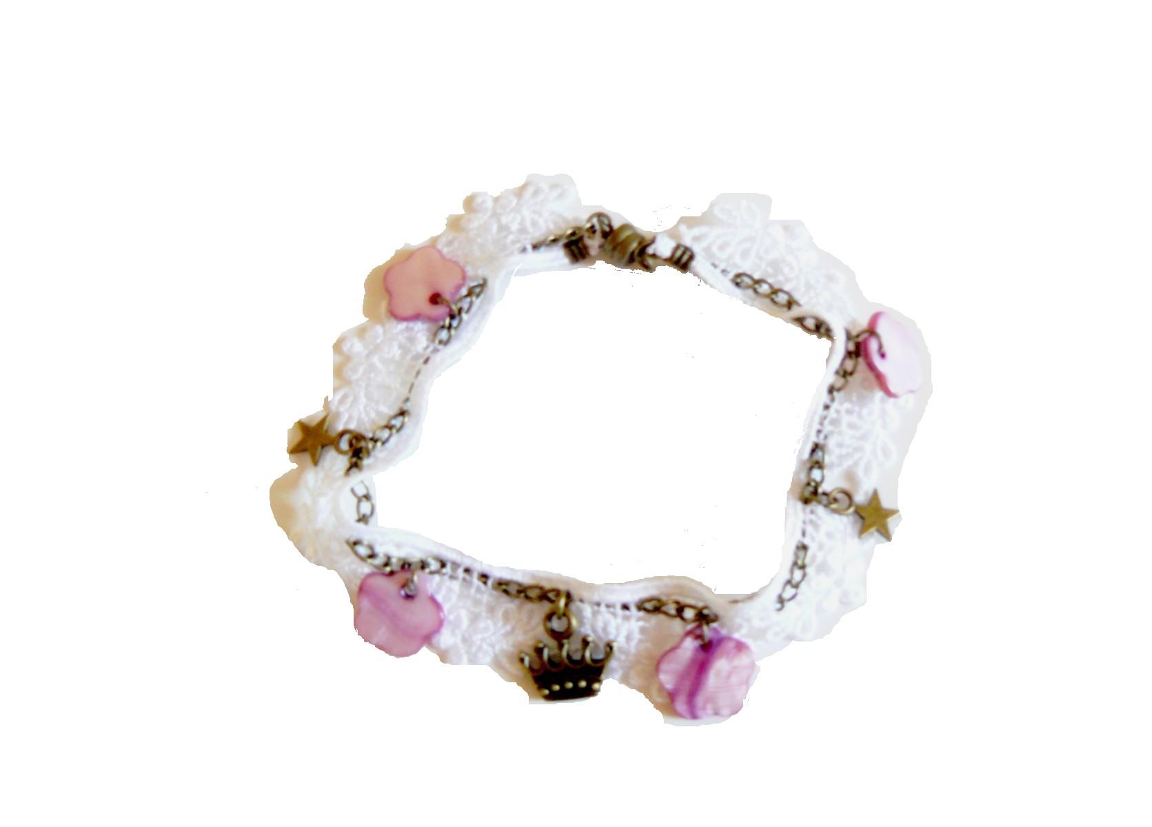 Kit DIY bijoux bracelet blanc avec dentelle, breloques couronnes, étoiles et perles de nacre roses