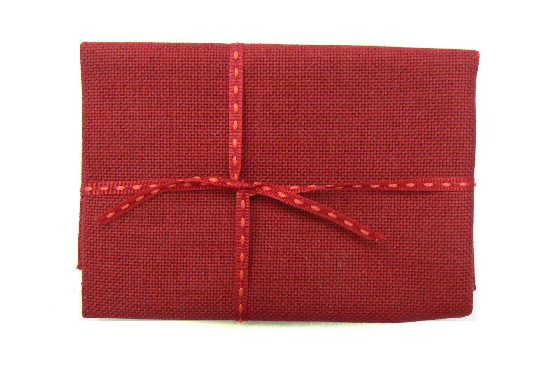 Etamine zweigart lugana 10 fils couleur rouge bordeaux 906 autour d 39 elsa - Couleur rouge bordeaux ...