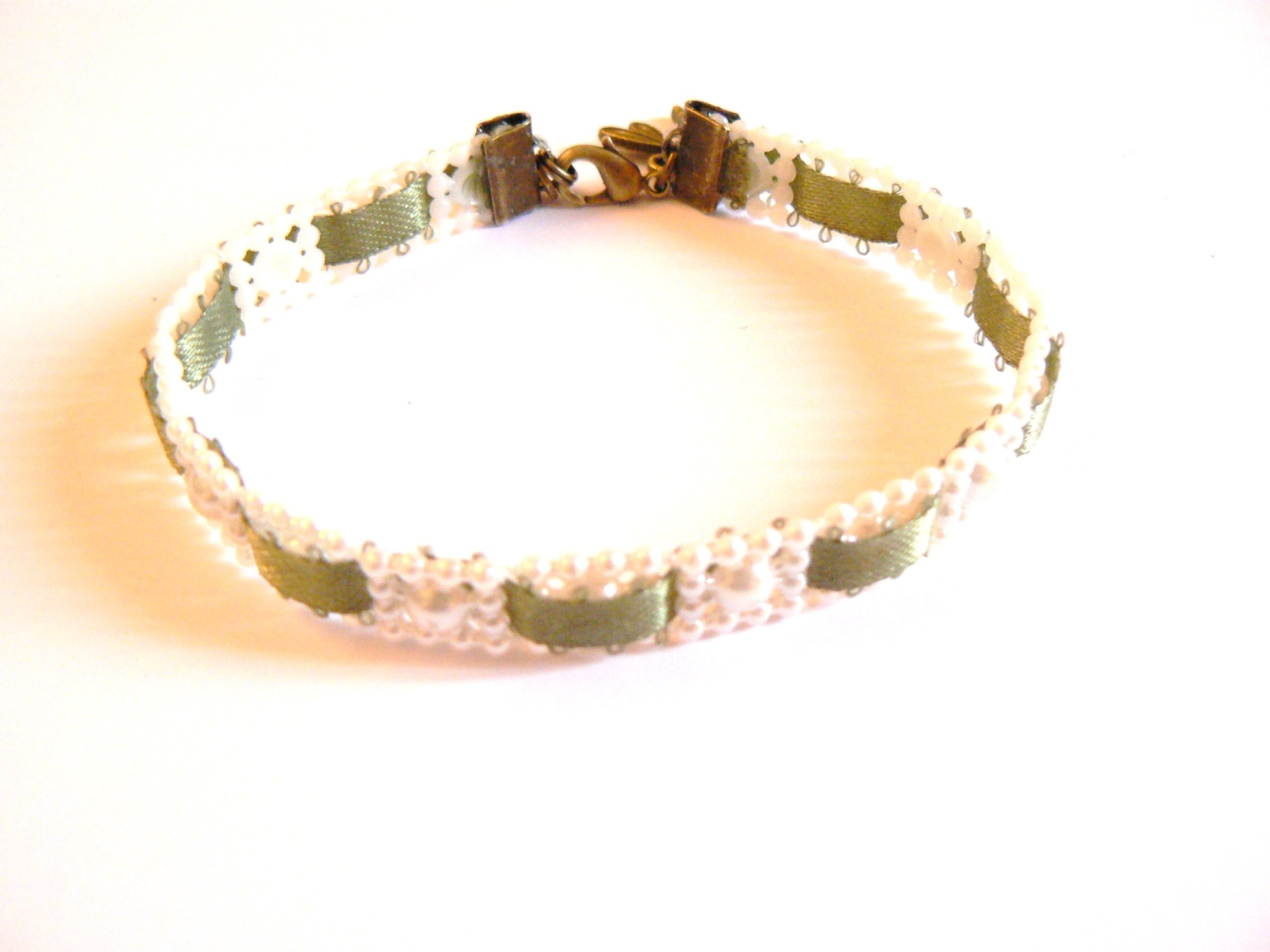 Kit DIY bracelet galon de perles et ruban vert forêt