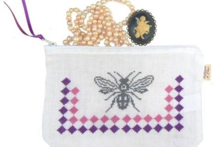 Trousse abeille à broder pour trousse au point de croix