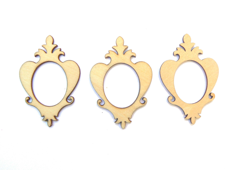 3 Mini cadres baroques ovales en bois clair